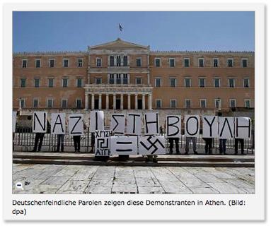 Bildunterzeile: Deutschenfeindliche Parolen zeigen diese Demonstranten in Athen.