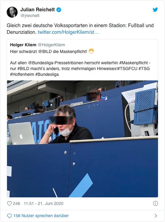 Screenshot eines Tweets von Julian Reichelt - Gleich zwei deutsche Volkssportarten in einem Stadion: Fußball und Denunziation.