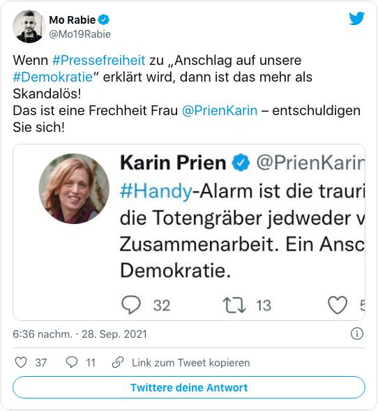 Screenshot eines Tweets von Mo Rabie - Wenn Pressefreiheit zu Anschlag auf unsere Demokratie erklärt wird, dann ist das mehr als Skandalös! Das ist eine Frechheit Frau Karin Prien entschuldigen Sie sich!